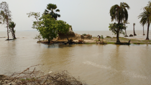 a-vulnerable-house-in-ghoramara-subject-to-coastal-erosion